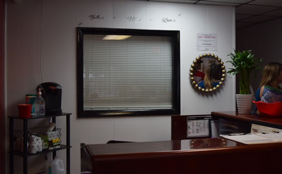 DJ Auto Collision Center's waiting room